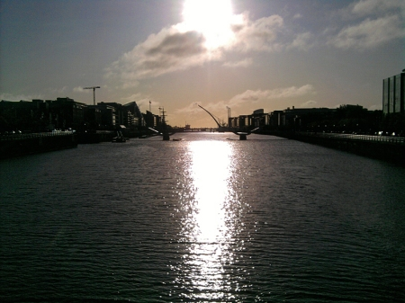 Sonnenaufgang über Dublins River Liffey
